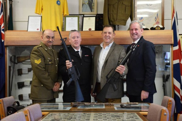 Wynyard RSL acquires two M16 rifles for its military history museum