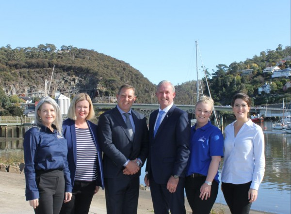 Tasmanian federal election candidates out in force on campaign's first official day